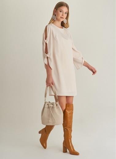 NGSTYLE Kol Bağcık Detaylı Elbise Bej